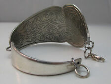 UNIQUE SHEFFIELD ENGLAND SILVER PLATED BRACELET MADE FROM OLD PIE/CAKE SERVER **