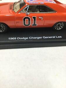 General Lee car 1:43 scale acrylic case Bo Daisy Luke Figures Dukes of Hazzard