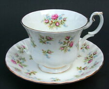 Vintage 1980's Royal Albert Winsome Pattern 200ml Tea Cups & Saucers Look in VGC
