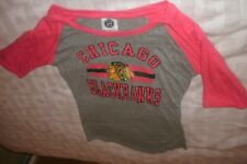 NHL Chicago Blackhawks 1/2 Sleeve Graphic Tee NEW Women's Medium 7/9 (B48)