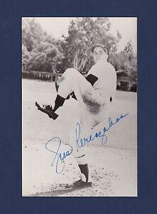 Gus Keriazakos signed Chicago White Sox baseball postcard 1931-1996