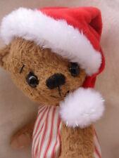 Weihnachtsmütze  (Samt) für ca. 30 cm Bären -- ein absolutes MUST HAVE....