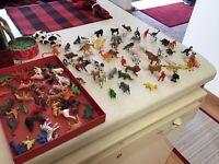 VIntage large lot of miniature plastic toy animals Zoo,farm,dinosaurs 100 Pieces