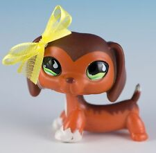 Littlest Pet Shop Dachshund #675 Authentic Savvy Savanna by Hasbro With Magnet