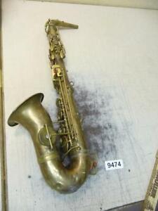 9474. Altes Instrument Musikinstrument Saxophon Blasinstrument Musik Deko