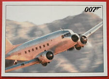 JAMES BOND - Quantum of Solace - Card #058 - Bond and Camille Survey the Terrain