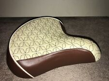 Schwinn Bicycle Seat Saddle for Cruiser Bike - Wide Saddle - Brown/Tan