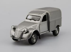 WELLY OLD TIMER CITROEN 2CV FOURGONNETTE SILVER 1:34 DIE CAST MODEL NEW IN BOX