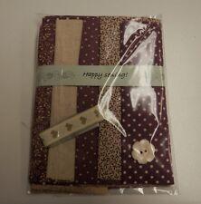 Antiguo Morados Algodón Craft Packs - 5 Grasa ochos, Cinta & button-100% Algodón
