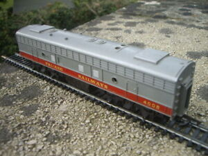 TRIANG HORNBY R56 TRANSCONTINENTAL SERIES CLASS F7 SINGLE ENDED DIESEL B UNIT!!!