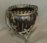 cache-pot fin XIXe   ( cuivre et bronze ) à décor de feuillages .