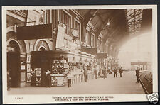 London Postcard - Victoria Train Station Platform - Southern Railway 9448