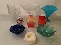 HUGE LOT OF VINTAGE ANTIQUE GLASS FAN VASE FENTON COMPOTE AMBERINA BELL MUG