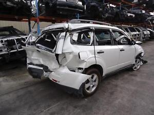 SUBARU FORESTER RIGHT FRONT HUB ASSEMBLY ABS TYPE, 02/08- 08 09 10 11 12 13 14 1