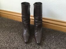 **STUNNING**.   ladies brown leather boots size 6