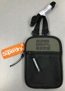 Logo 20x14x2cm Farbwahl Superdry Unisex Umhängetasche HxBxT Sport Pouch