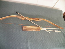 (New) Kids Wood Bow and Arrow With  Quiver Set  3 ARROWS Good For Archery (Toy)