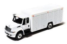 1/64 GREENLIGHT WHITE 2012 INTERNATIONAL DURASTAR 4400 BEVERAGE TRUCK