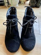 Toms Suede Wedge Lace Up Ankle Boots Size 4