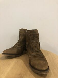 Corral Boots 37