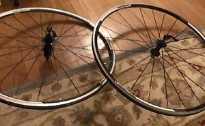 Bontrager bicycle 700c road wheels aluminum