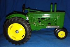 Vintage JOHN DEERE model A Tractor WYOMING Centennial 1:16 Scale Models