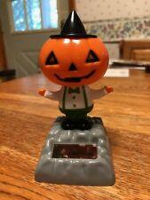 New Solar Powered Dancing Toy Bobble Head HALLOWEEN - Pumpkin Boy Witch Hat