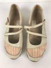 Skechers Womens Sneakers Sport Shoe Size 7