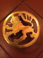 A VINTAGE BRASS CAST LION TRIVET WITH 3 LION FEET #BI/R