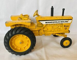 Minneapolis Moline G1000 1/16 Diecast Farm Tractor by ERTL Original Paint NICE!