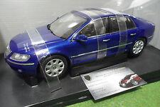 VOLKSWAGEN PHAETON bleu blue à l'échelle 1/18 AUTOart 79744 voiture miniature