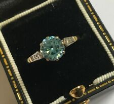 Vintage 9ct Gold Blue Stone Solitaire Ring CZ Shoulders Size N 1/2  Weight 2.2g