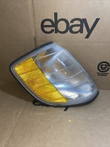 1995-1999 Mercedes-Benz S500 S420 S320 S600 Right Turn Signal Light 1305233941