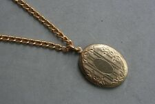 """18"""" Chain Engraved 1 3/8"""" Oval Necklace Gold Tone Vintage Locket Pendant 2 Photo"""