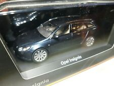 Opel Insignia 5-türig, 1:43 dunkelblau metallic (078)