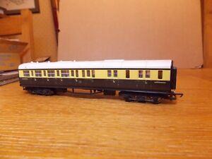 HORNBY R430 GWR COLLETT BRAKE 3rd COACH No 4913 in Brown & Cream Livery 00 Gauge