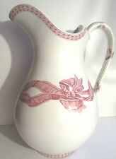 Grand broc de toilette piriforme, céramique blanche et ruban rose signé Copeland