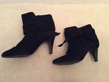 Suede Mid Heel (1.5-3 in.) Pull On Slim Shoes for Women