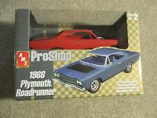 AMT ERTL Proshop Pro Shop 1968 Plymouth Road Runner 1/25 Model Kit MIB 2003