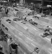 WW2 Photo WWII Boeing  B-17 Flying Fortress Assembly Seattle World War Two/ 5341