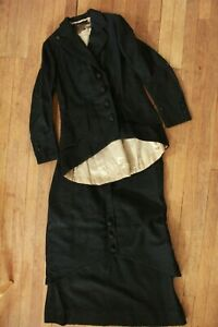 BEAUTIFUL ANTIQUE WOMENS VICTORIAN BLACK WOOL SKIRT AND JACKET WINTER SUIT