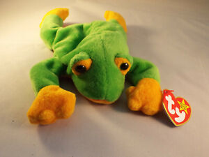 TY BEANIE BABY SMOOCHY - THE GREEN FROG  - MINT - RETIRED WITH TAGS