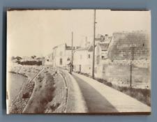 France, Arles, Dame en promenade  Vintage albumen print.  Tirage albuminé  6