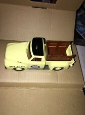 Matchbox Die Cast Ray's Auto Parts Dixie Gasoline 1953 Ford F-100 Truck 1:43