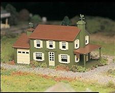 Spur 0 -- Bausatz Einfamilienhaus mit Garage -- 45622 NEU