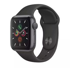 Apple Watch Series 5 40 mm Space Gray Case Black Sport Band GPS + Cellular MINT