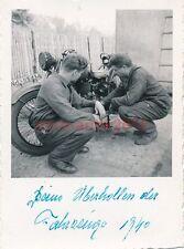 Foto, I.R.482, Kradpflege in Eppenbrunn, Westwall, 1940 (W)1383