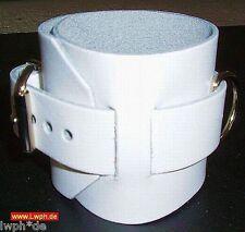 2 starke weisse Lederarmbänder breit 26,5 x 6,5 cm mit Schmuck-Ring von LWPH