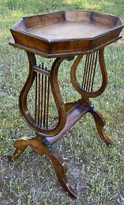 TABLE / SELETTE VIDE POCHE À PIETEMENT LYRE EN BOIS DE NOYER XIX ÉME SIÈCLE