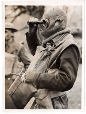 1941 WW2 Press Photo British Tank command Man dressed for cold mask England